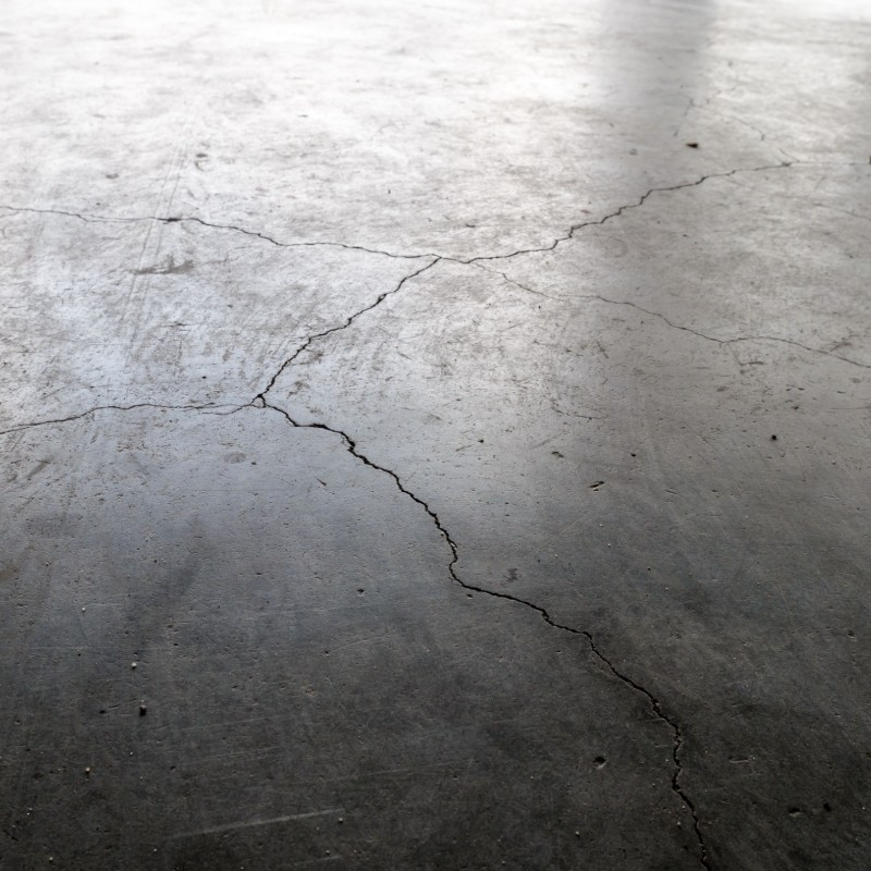 garage floor cracks